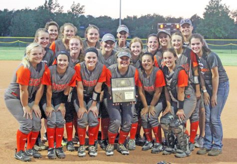 The team that went to state last season. Rylie is on the right, standing between Emily Burt and Kayley Taylor.